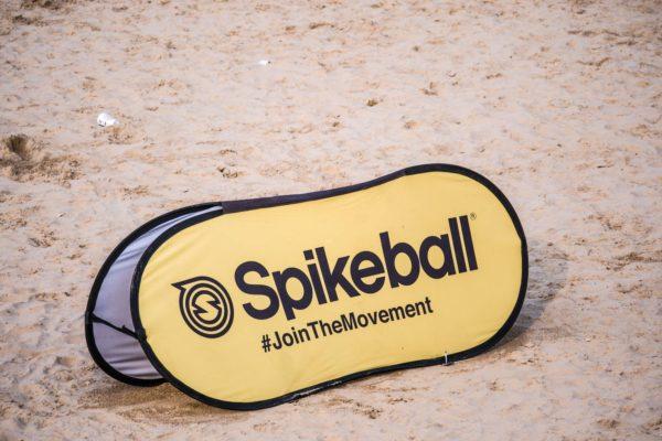 Yellow sign of spikeball